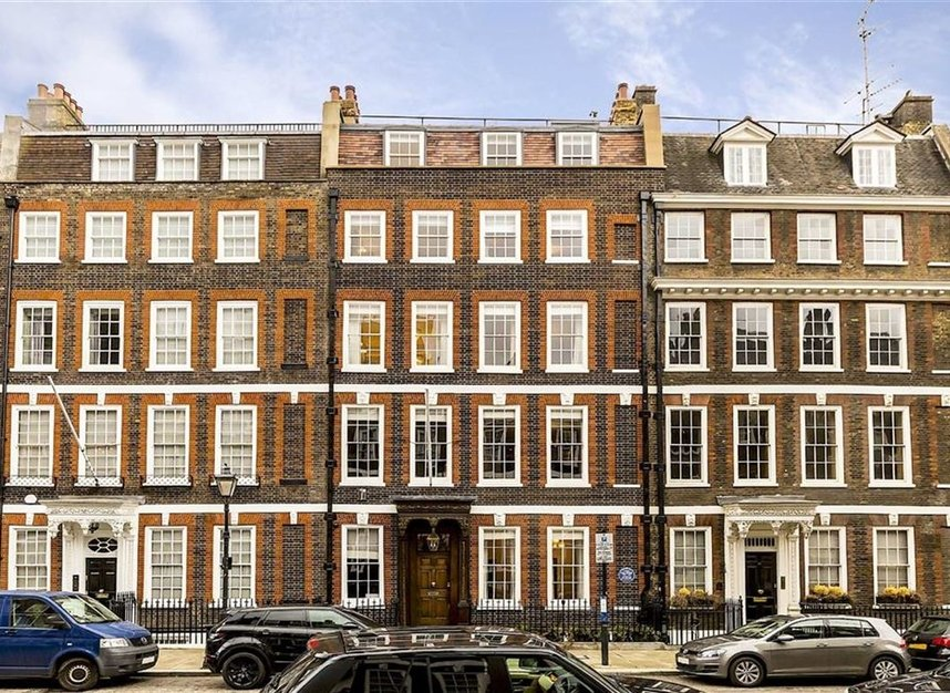 Properties for sale in Queen Annes Gate - SW1H 9AB view1