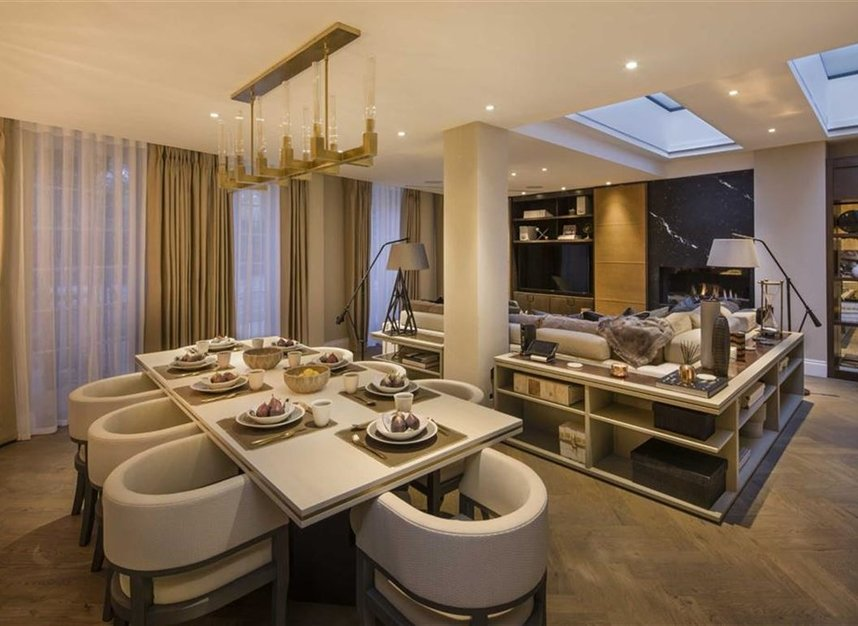 Properties for sale in Queen Annes Gate - SW1H 9AB view6