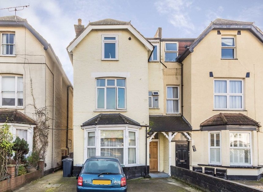 Properties for sale in Queens Road - SW19 8NY view1