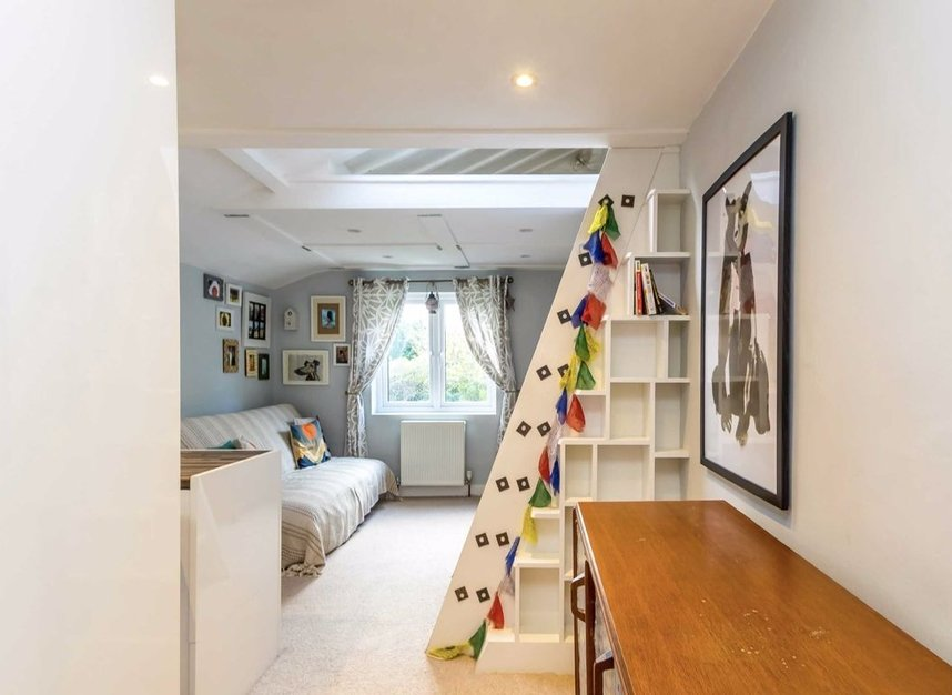 Properties for sale in Queens Road - SW19 8NY view4