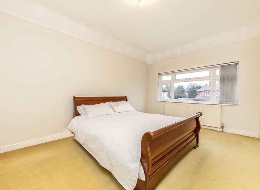 Properties for sale in Raleigh Way - TW13 7NX view5