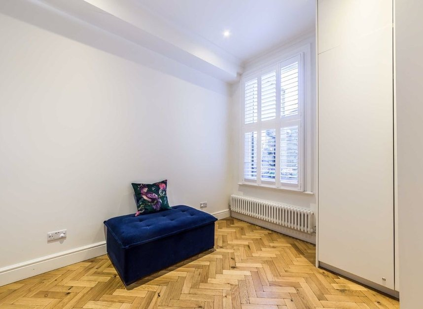 Properties for sale in Ravensworth Road - NW10 5NP view8