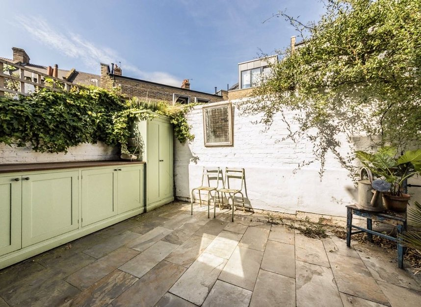 Properties for sale in Ravensworth Road - NW10 5NP view6