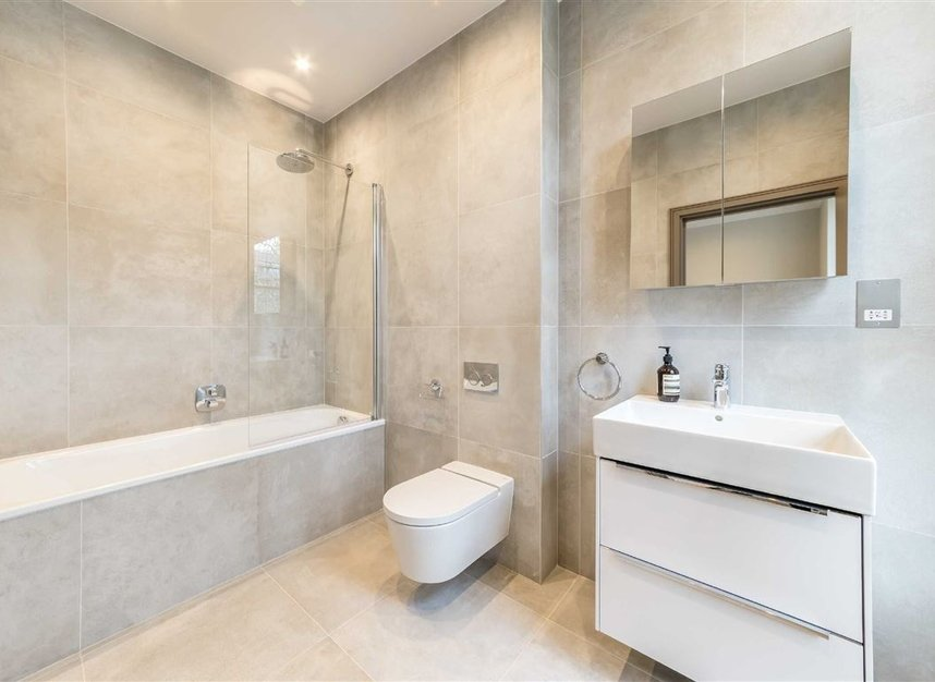 Properties for sale in Red Lion Square - WC1R 4QF view9