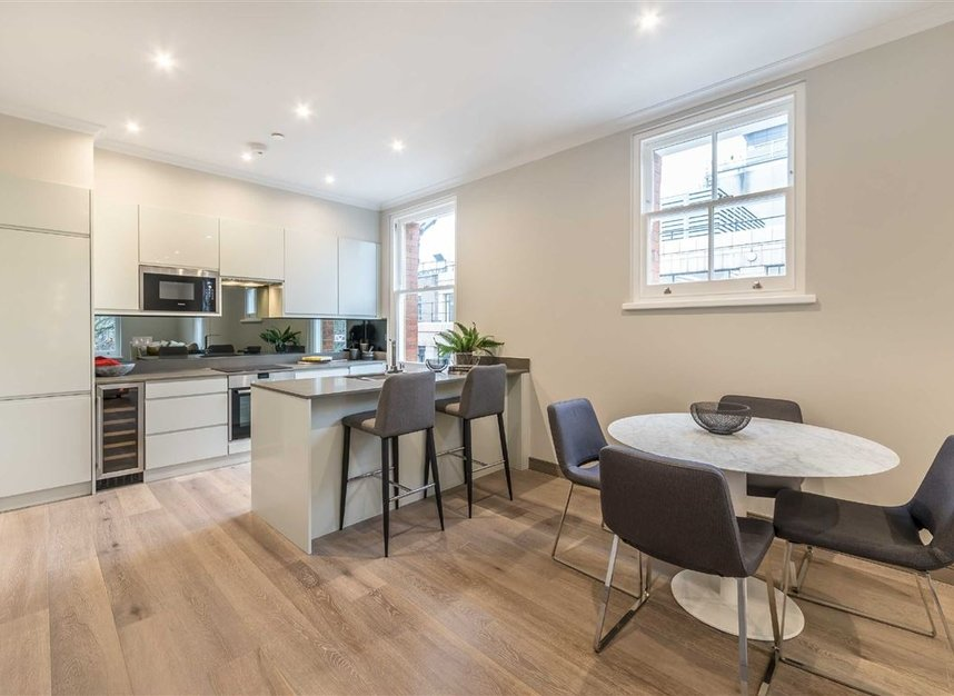 Properties for sale in Red Lion Square - WC1R 4QF view3