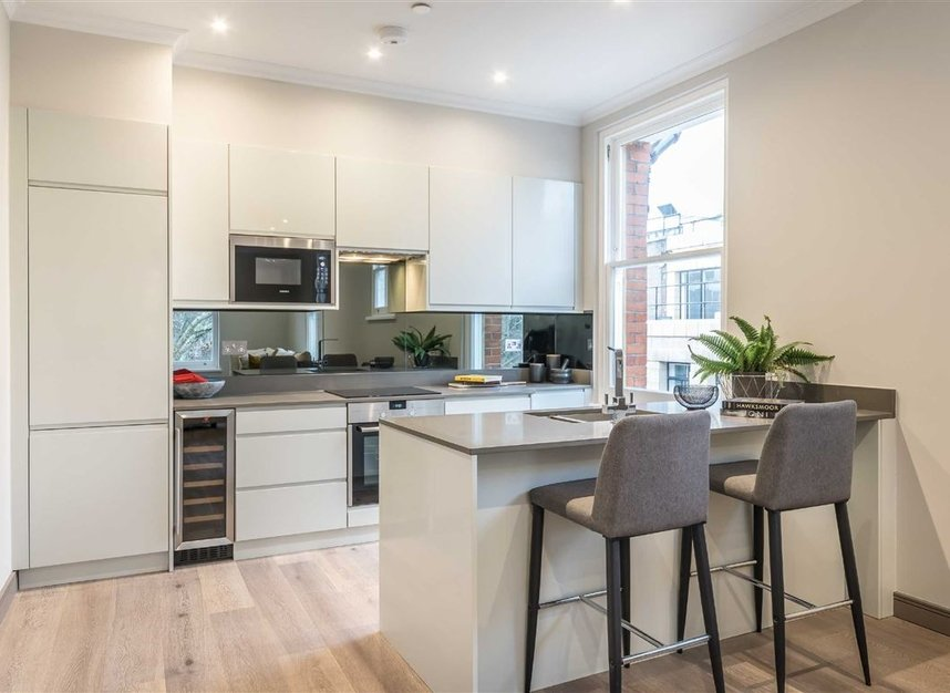 Properties for sale in Red Lion Square - WC1R 4QF view5