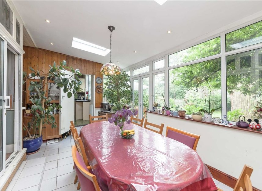 Properties for sale in Rosemont Road - W3 9LR view3