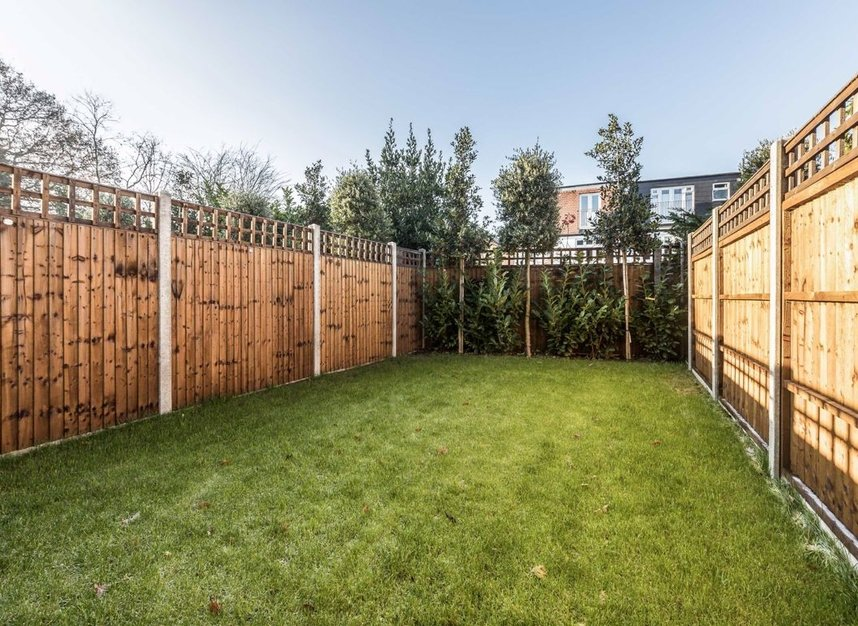 Properties for sale in Samara Place - SW20 9AP view6
