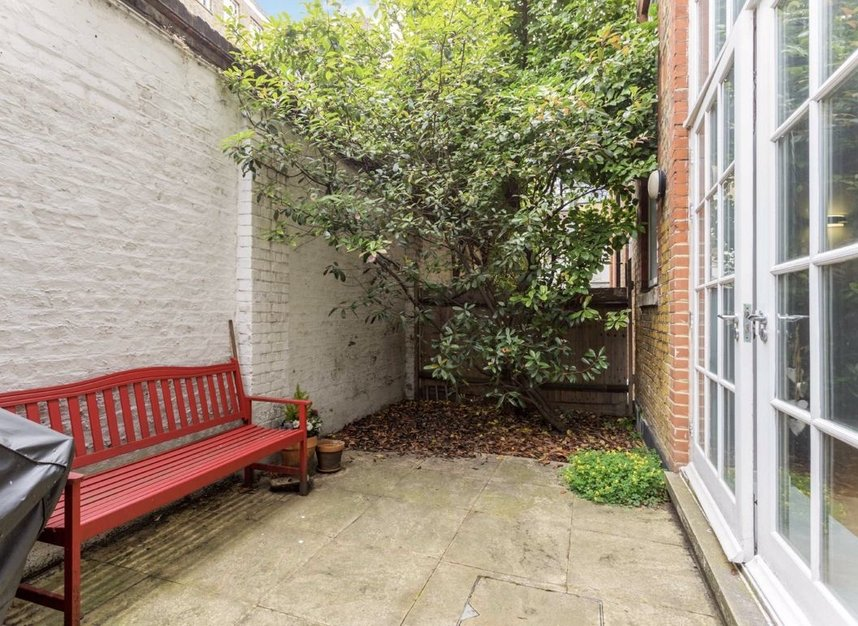 Properties for sale in Sandland Street - WC1R 4PZ view2