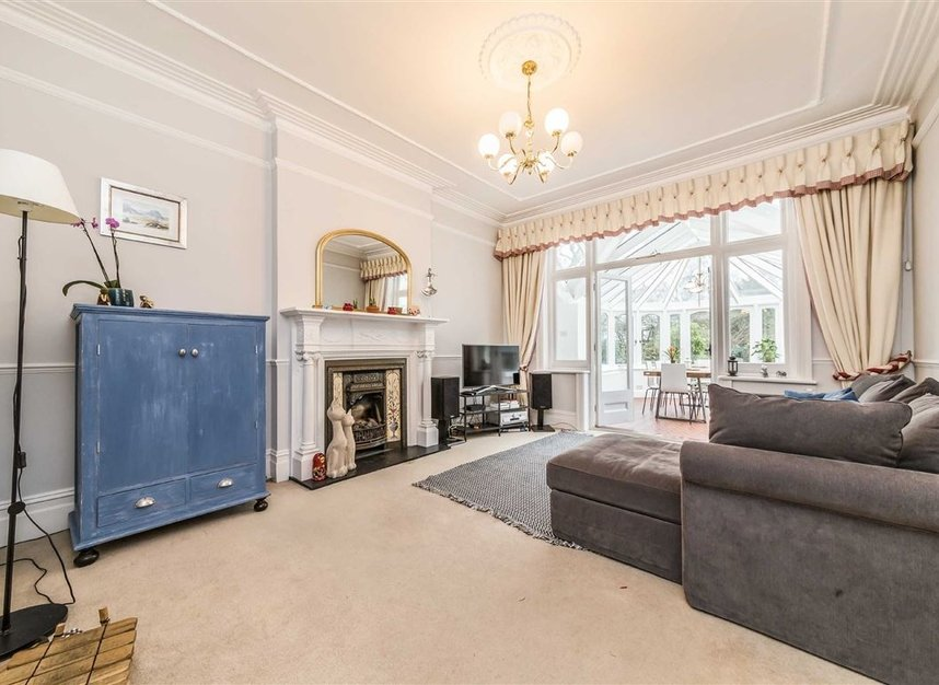 Properties sold in Seymour Road - TW12 1DD view3