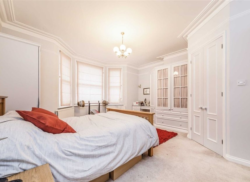 Properties sold in Seymour Road - TW12 1DD view6