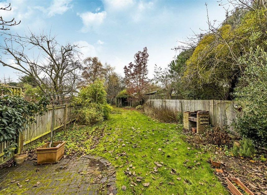 Properties for sale in Seymour Road - TW12 1DD view7