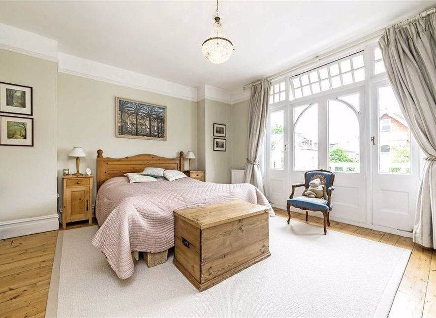 Properties for sale in Seymour Road - KT1 4HW view5