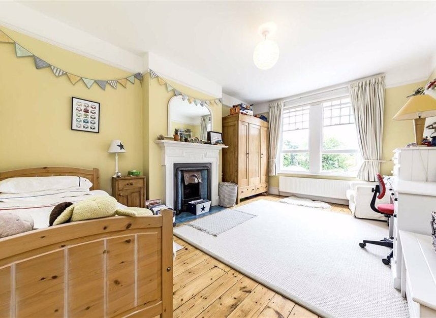 Properties for sale in Seymour Road - KT1 4HW view6