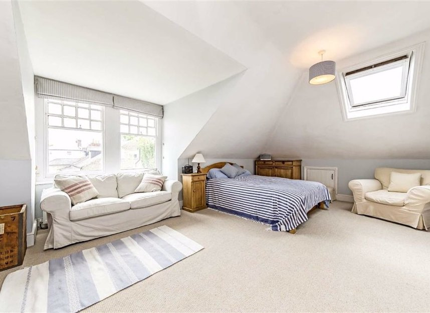 Properties for sale in Seymour Road - KT1 4HW view7