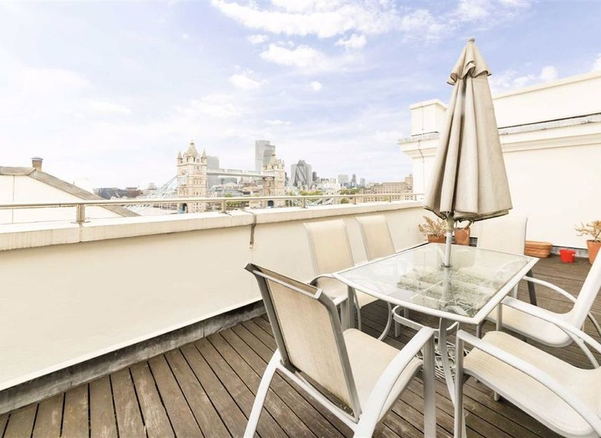 Properties for sale in Shad Thames - SE1 2YE view1