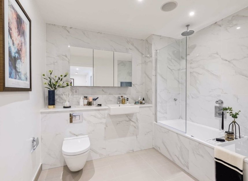 Properties for sale in Sinclair Road - W14 0NS view4