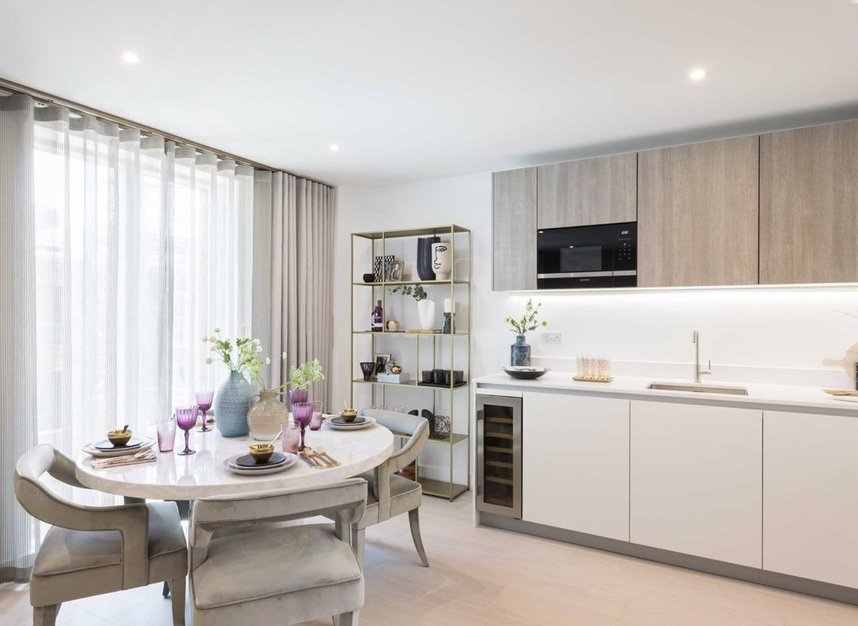 Properties for sale in Sinclair Road - W14 0NS view6