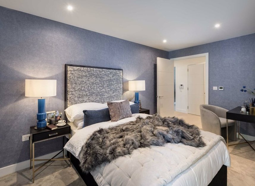 Properties for sale in Sinclair Road - W14 0NS view3