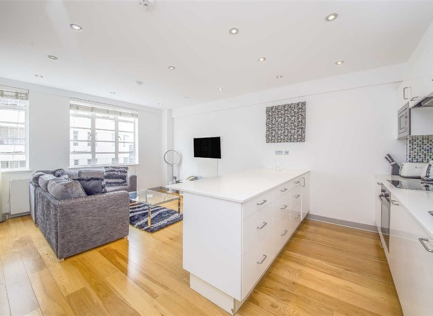 Properties for sale in Sloane Avenue - SW3 3BE view1
