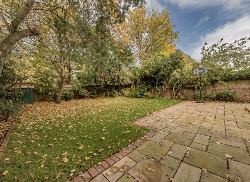 Properties for sale in Springfield Road - NW8 0QN view8
