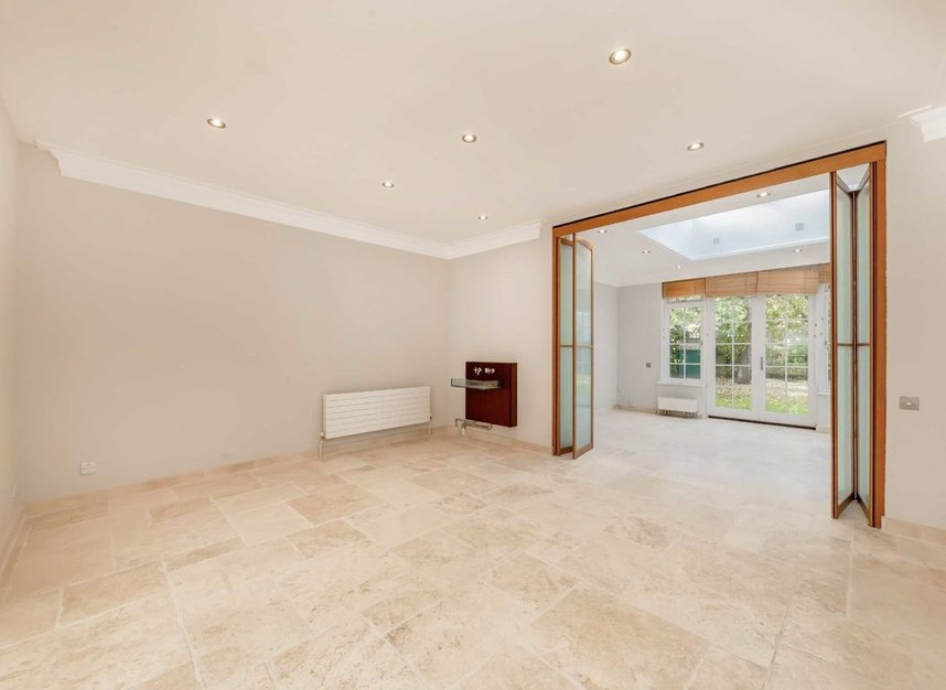Properties for sale in Springfield Road - NW8 0QN view5