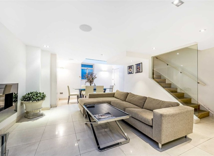 Properties for sale in St. James's Place - SW1A 1NS view6