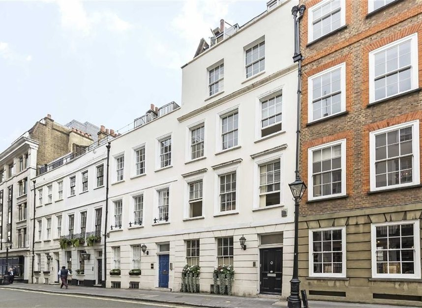 St. James's Place, London, SW1A