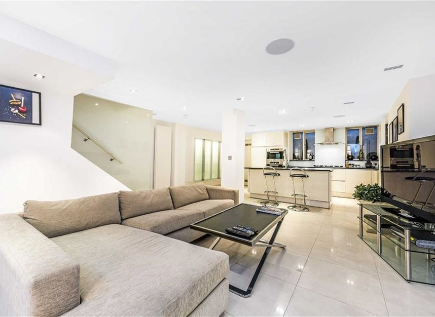 Properties for sale in St. James's Place - SW1A 1NS view5