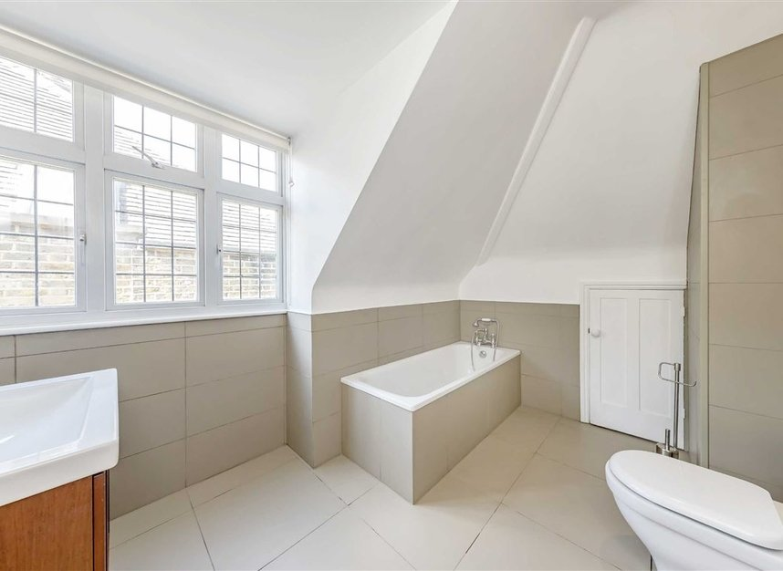 Properties for sale in St. Johns Wood Road - NW8 8RB view9