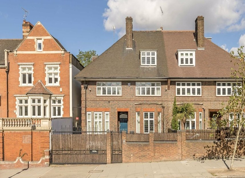 Properties for sale in St. Johns Wood Road - NW8 8RB view1