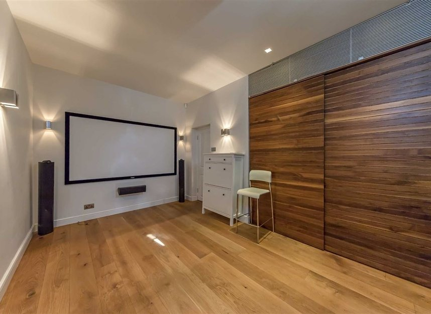 Properties for sale in St. Johns Wood Road - NW8 8RB view8