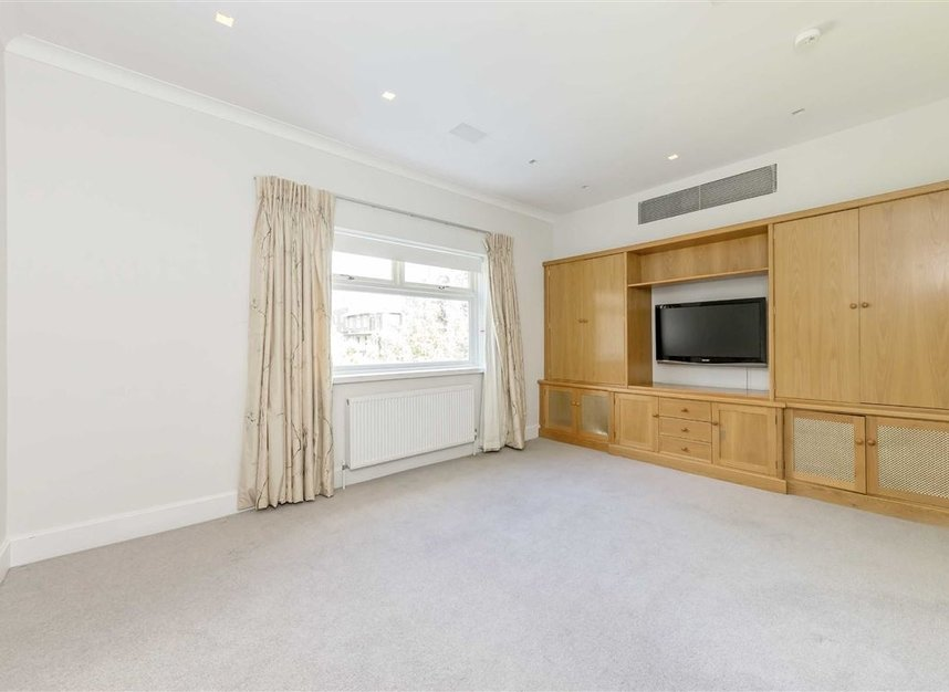 Properties for sale in St. Johns Wood Road - NW8 8RB view6