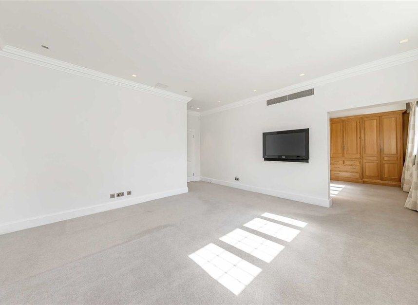Properties for sale in St. Johns Wood Road - NW8 8RB view7
