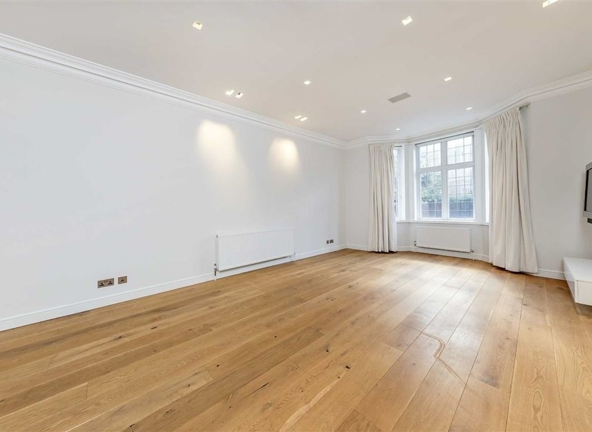 Properties for sale in St. Johns Wood Road - NW8 8RB view5