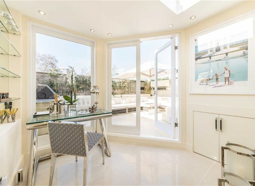 Properties for sale in Stanhope Mews East - SW7 5QT view8