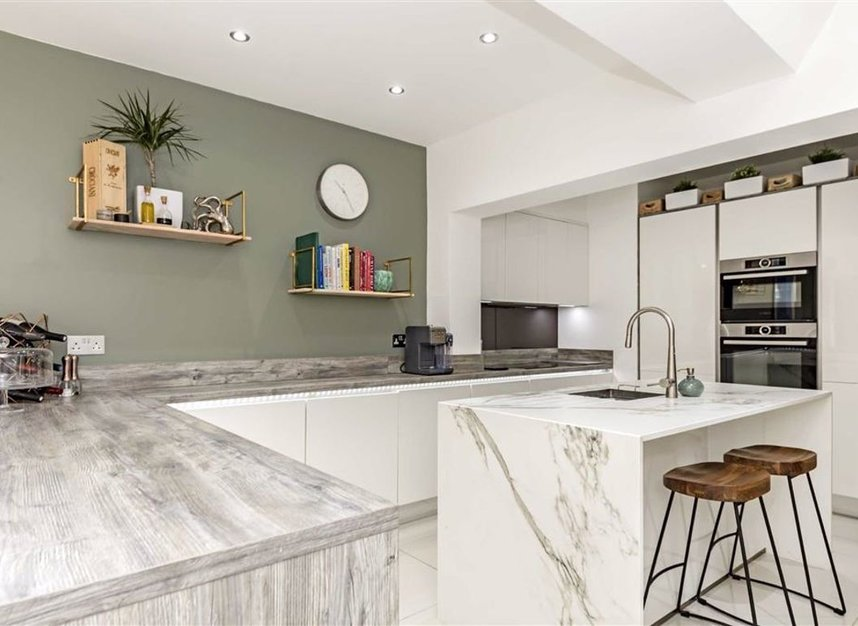 Properties for sale in Stanley Gardens Road - TW11 8SY view3