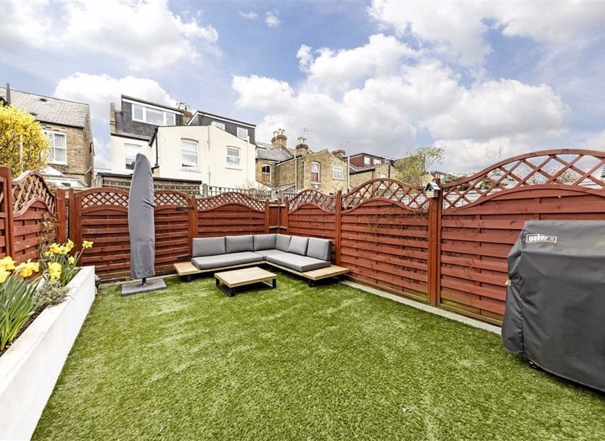Properties for sale in Stanley Gardens Road - TW11 8SY view8