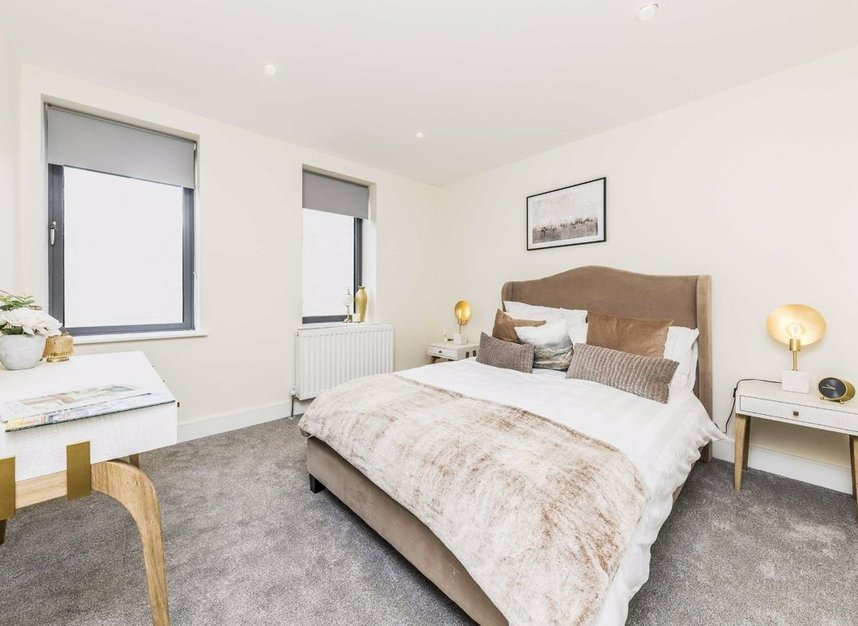 Properties for sale in Station Road - TW16 6SB view6