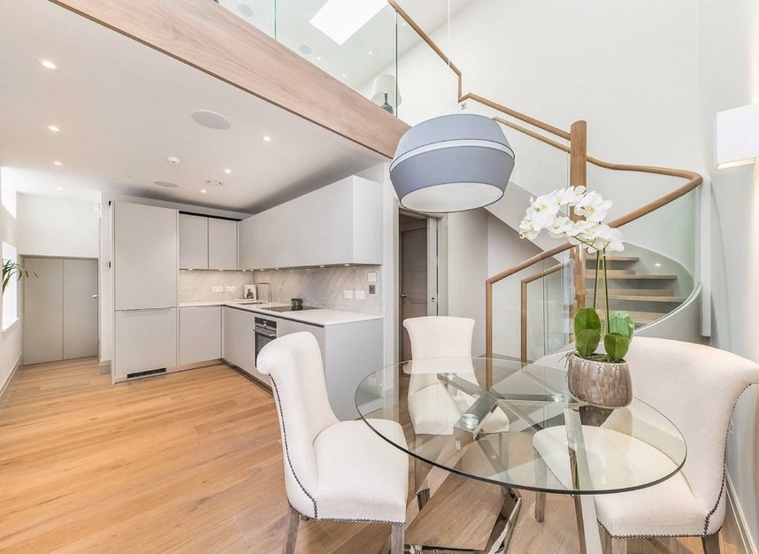 Properties for sale in Strand - WC2R 1BE view3