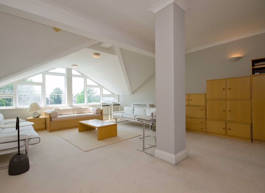 Properties for sale in Surrey Crescent - W4 3AA view8
