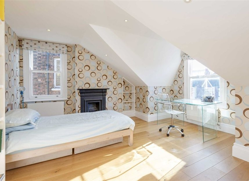 Properties for sale in Talbot Road - N6 4QX view6