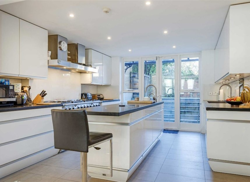 Properties for sale in Talbot Road - N6 4QX view3