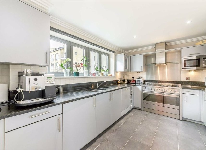 Properties for sale in Tallow Road - TW8 8EU view3