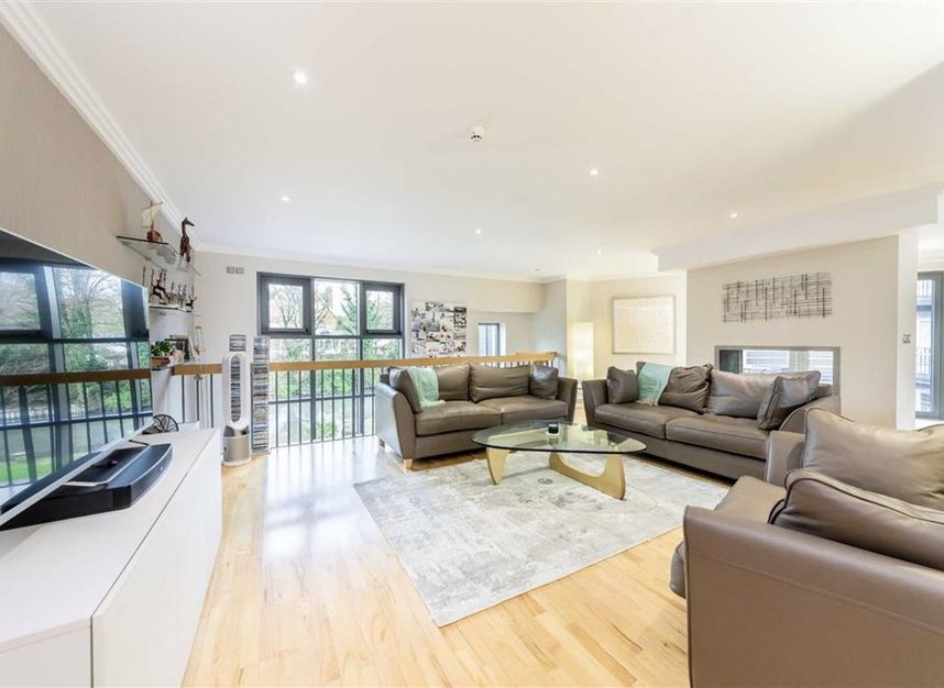 Properties for sale in Tallow Road - TW8 8EU view2