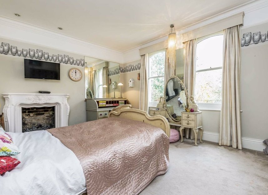Properties for sale in The Avenue - TW1 1QP view13