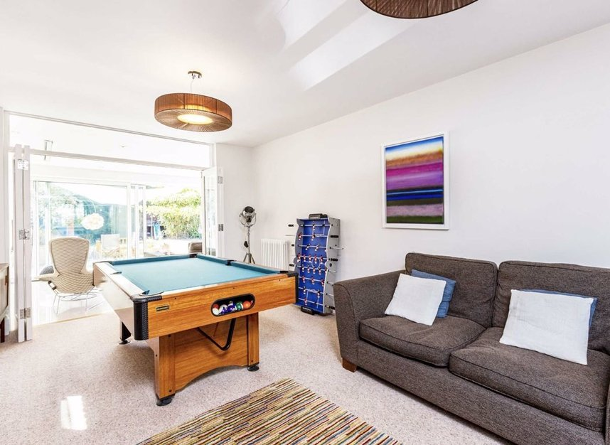 Properties for sale in The Avenue - TW16 5HY view4
