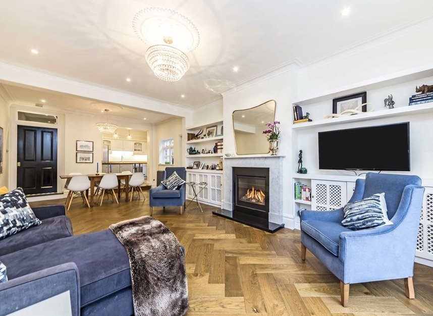 Properties for sale in Thornbury Road - TW7 4LN view5