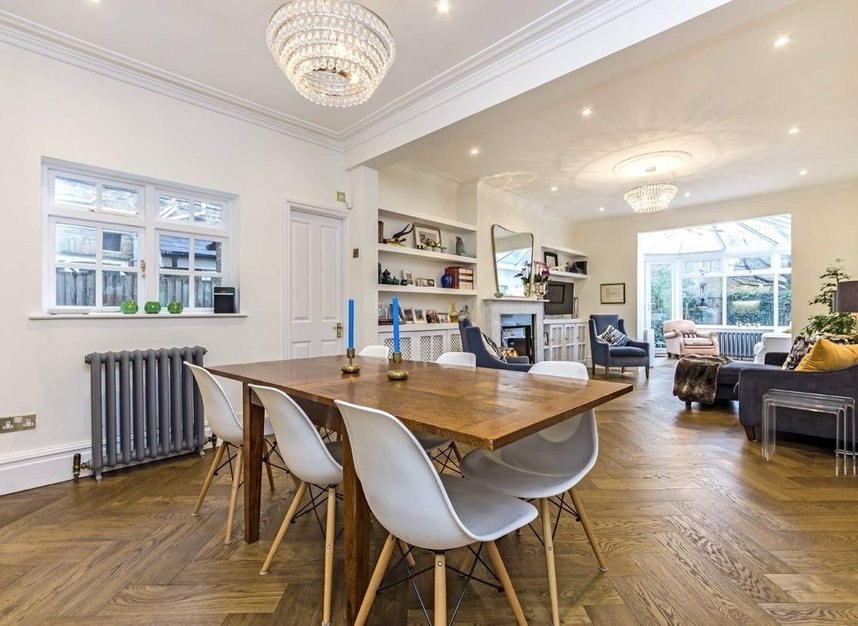 Properties for sale in Thornbury Road - TW7 4LN view3