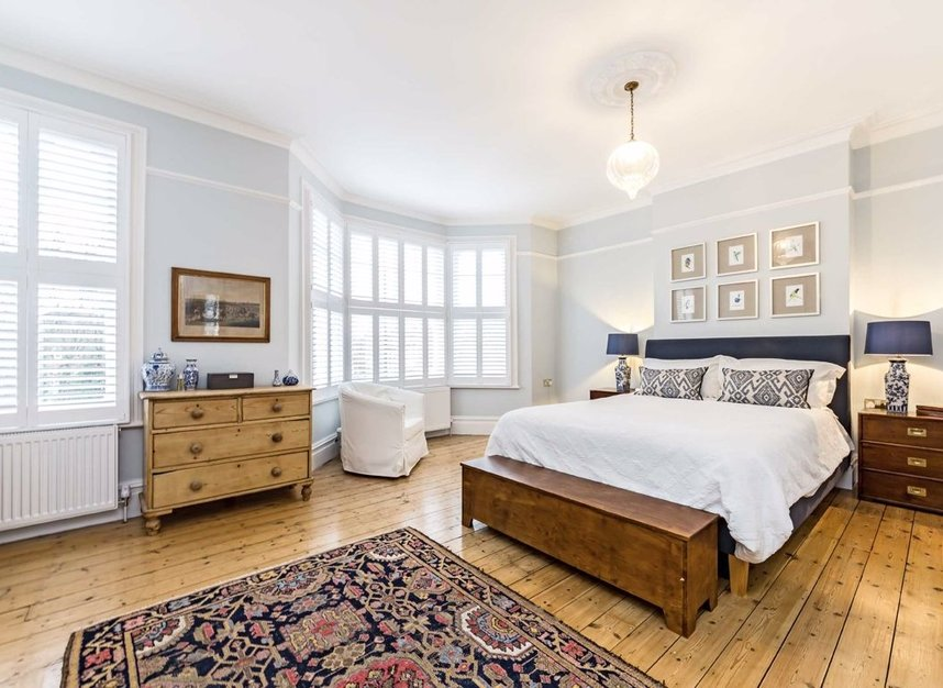 Properties for sale in Thornbury Road - TW7 4LN view6